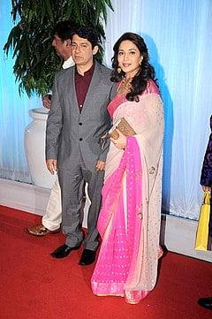 Dr_Shriram_Nene,_Madhuri_Dixit_at_Esha_Deol's_wedding_reception_07