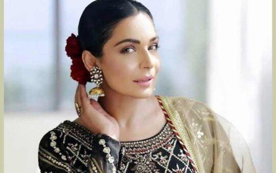 Actress-Meera